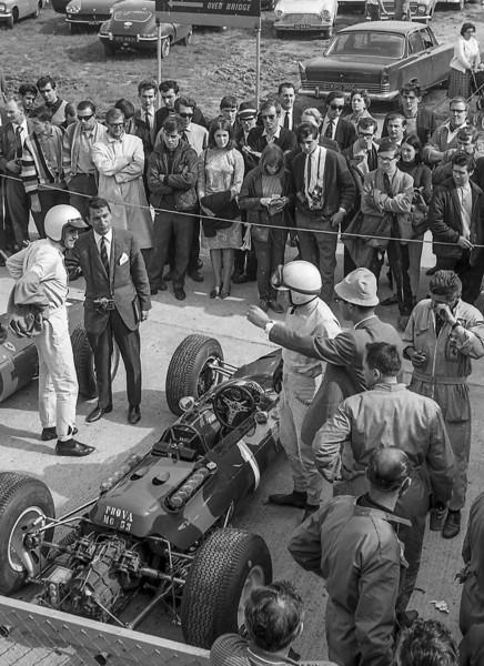 Ferrari pit, British Grand Prix, Silverstone 1965