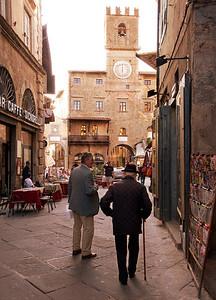 2 gentlemen of Cortona