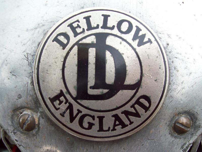 dellow badge