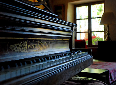 the piano of Jean-Jacques