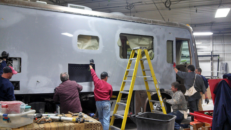 I couldn't find any more people to help in installing the new passanger side, side wall.