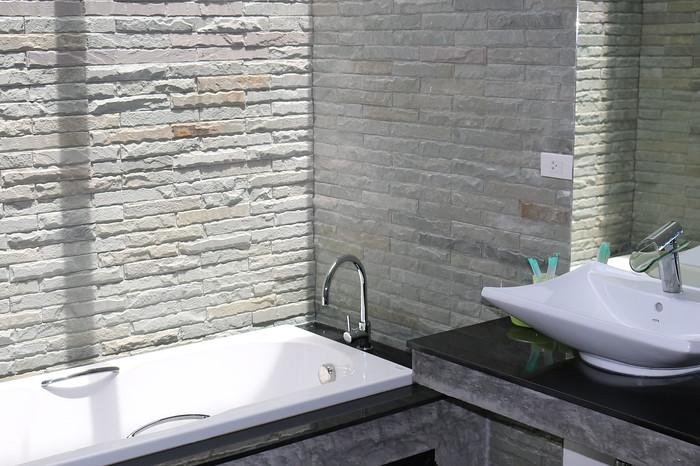 Ensuite Bathroom in the one bedroom seaview villa Koh Lanta