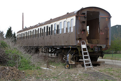Former DEMU Coach 60678 from set 205033 at Pale Pitt Farm, Latchingdon Road   31/03/12