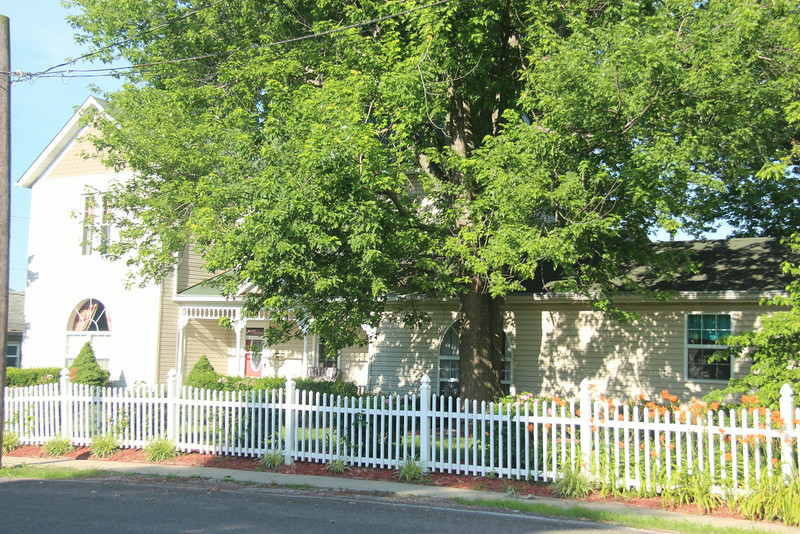 This photo shows the addition to the Morriss Home on Powell Street.