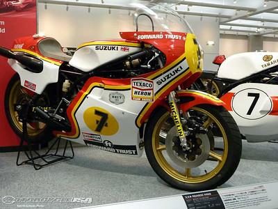Suzuki_RGA500_XR22