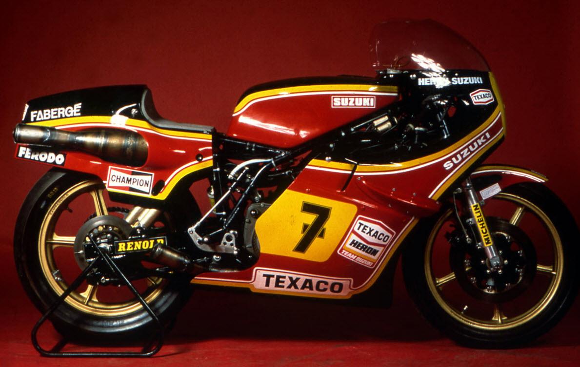 Suzuki-RGA500-XR22-of-Team-Heron-Suzuki-carrying-the-lucky-number-7-of-Barry-Sheene