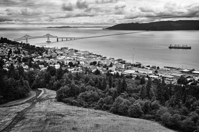Niall David - Mouth of the Columbia River, the City of Astoria, and the Astoria-Megler Bridge from the Astoria Column on Coxcomb Hill.  - http://nialldavid.com
