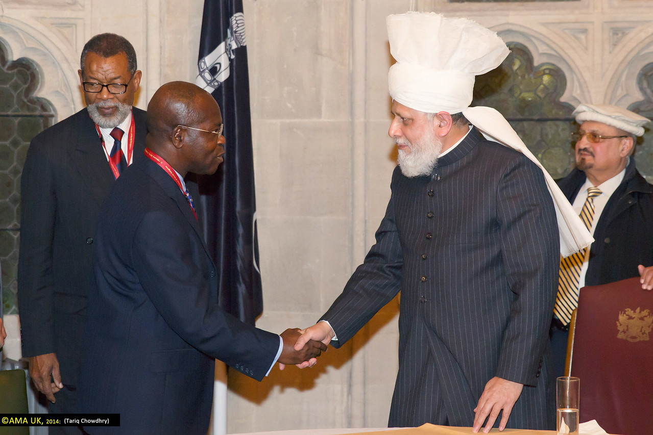 Al Hajj Baba Kamara – (special representative of the President of Ghana) meets with His Holiness.