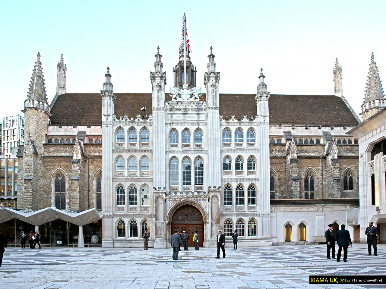 Guildhall - In London. Guildhall hosts many events throughout the year, the most notable one being the Lord Mayor's Banquet, which is held in honour of the immediate-past Lord Mayor and is the first to be hosted by the new Lord Mayor of the City of London. In keeping with tradition, it is at this Banquet that the Prime Minister makes a major World Affairs speech.<br /> <br /> Together with its of history and tradition with the very latest state-of-the-art built-in communication technology made it an ideal location for the Ahamdiyya Muslim Community to choose this as the setting for this historic event.<br /> <br /> The Great Hall where the main conference was held can accomodate up to 900 people in an environment of a high-arched ceiling, Gothic stained glass windows and monuments to national heroes.