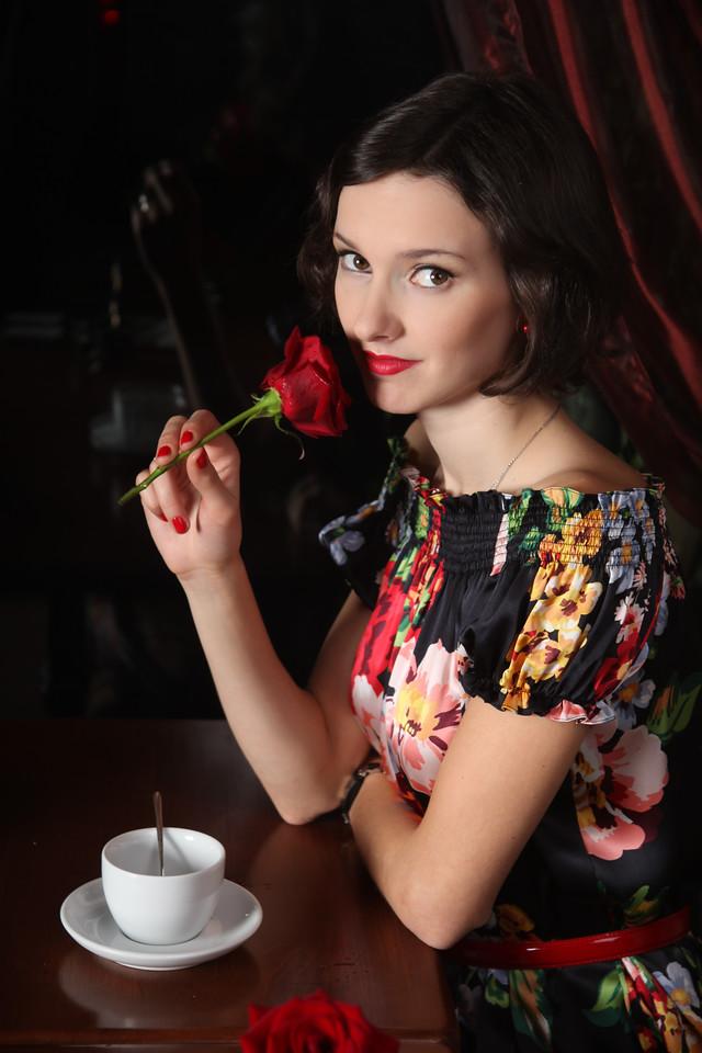 Меня зовут Екатерина Гришакова, я - фотограф анималист. Снимаю в Москве и Европе.  Готова к выездным фотосъемкам, имеется постоянная  шенгенская виза.<br /> <br /> На этой странице Вы можете оставить заявку на фотосъемку. Пожалуйста, заполните ее максимально подробно.<br /> <br /> Напишите  когда и где вы планируете съемку, какая у вас идея и как вы обо мне узнали. Но даже если у вас нет определенной идеи фотосъемки, пишите и об этом, мы точно вместе придумаем что-то очень красивое!<br /> <br /> Также вы всегда можете связаться со мной по почте kate.grishakova@gmail.com