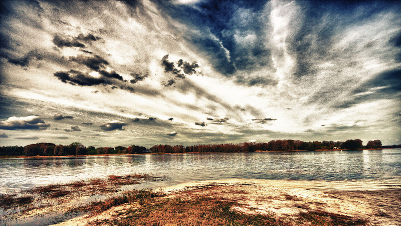 Heaven and Earth  Photographer's Name: Annamarie Bishop Photographer's City and State: Inverness, FL  To vote in favor for this photo, simply add a comment below. You can also share this photo on Facebook and Twitter using the buttons above.