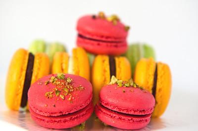 Colorful French Macarons à la Alla