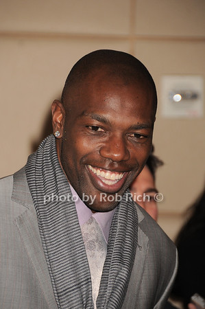 Terrell Owens<br /> photo by Rob Rich © 2010 robwayne1@aol.com 516-676-3939