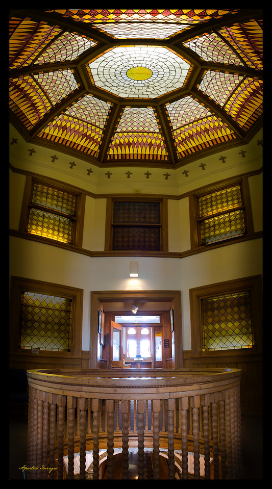 Jersey County Courthouse: Entry to Courtroom (full interior dome) (2014)