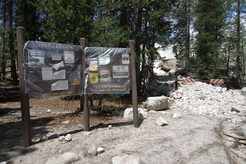 Dusy Ershim Trail Entrance