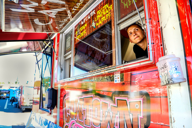 Photos to accompany a food truck story in the August 2017 edition of Comstock's magazine.
