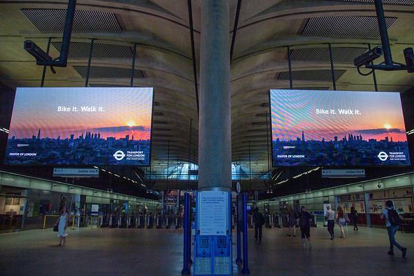 Canary Wharf messaging