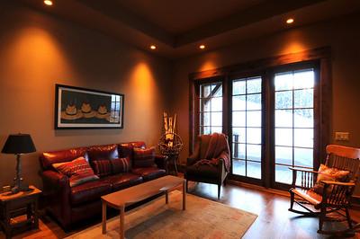 Sitting Room main floor DSC_4904