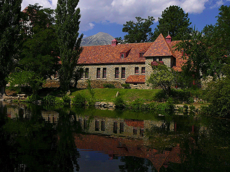 Here's another angle of the hatchery's main building (constructed in 1917) with the foreground reflecting pool and a Sierra peak in the distance.