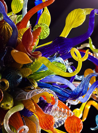 End of Day Chandelier - Dale Chihuly, 2006. Blown glass. Located in the atrium of Lincoln Square, Bellevue, Washington