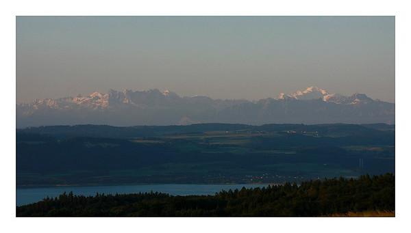 28 mai 2011 : Montée au Creux du Van- Lac de Neuchatel- Dents du Midi-Mont Blanc