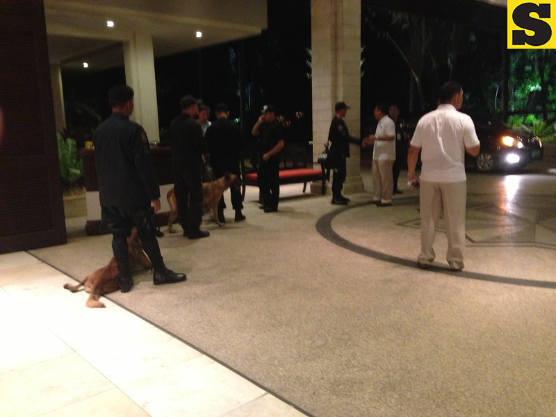 Members of Swatl, police at Shangrila hotel entrance