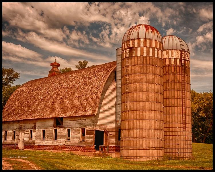 Minnesota barn and silos.