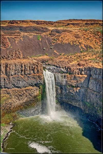 Palouse  Falls.  Palouse Falls State Park, WA.  200' high.  Snake River.