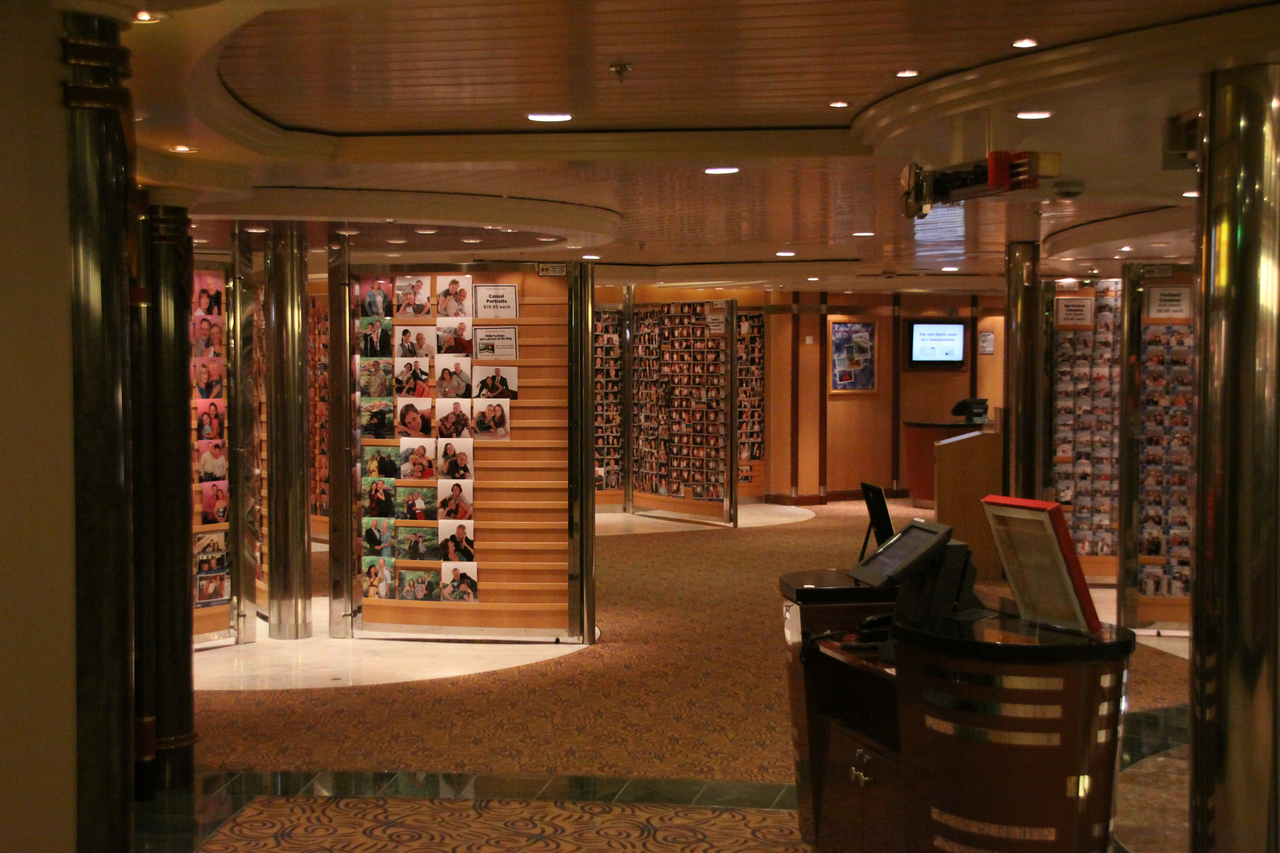 Enchantment of the Seas 6th floor photo gallery