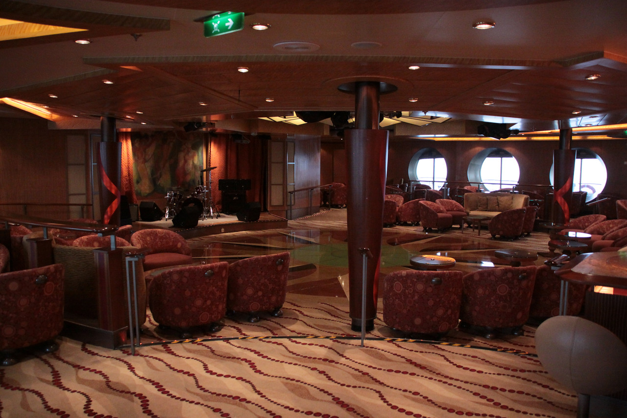 Enchantment of the Seas Yet another lounge