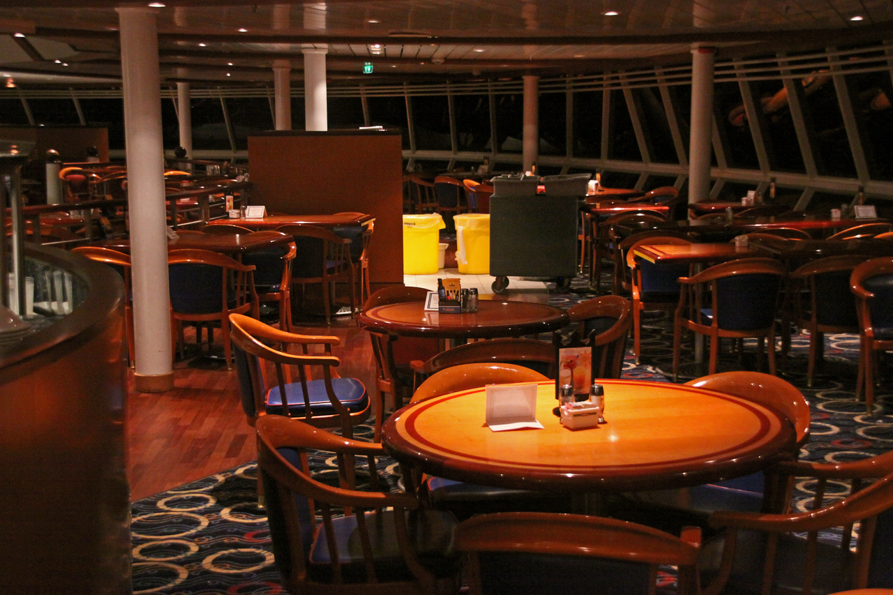 Enchantment of the Seas Windjammer seating