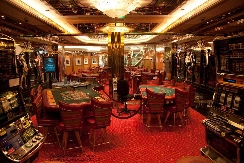 Freedom of the Seas gaming tables