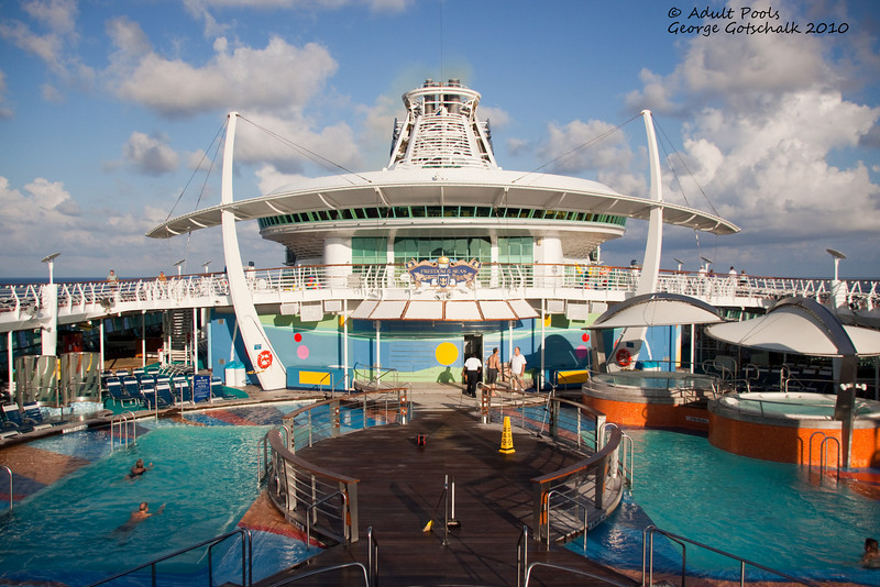 Freedom of the Seas adult pool
