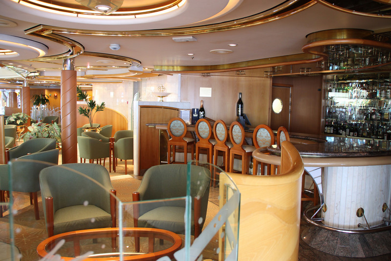 Enchantment of the Seas lounge