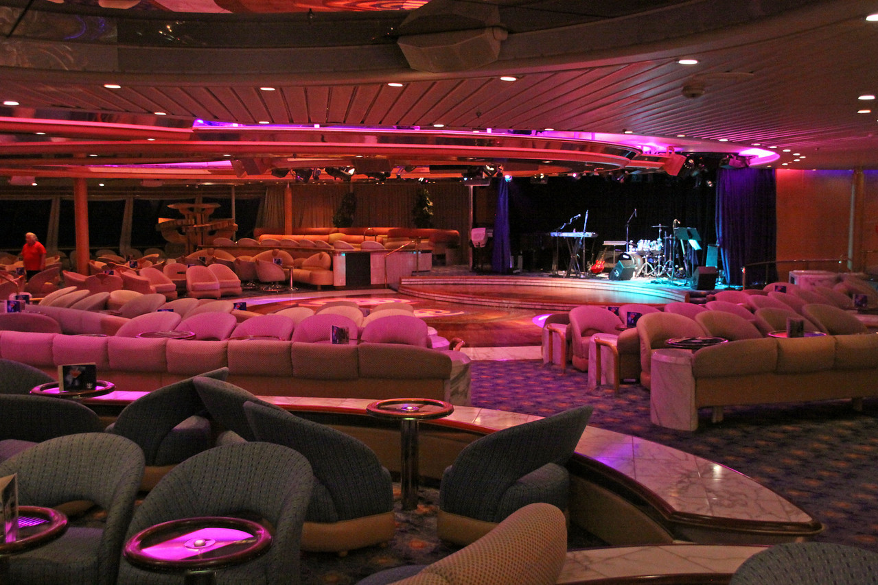 Enchantment of the Seas The Spotlight lounge