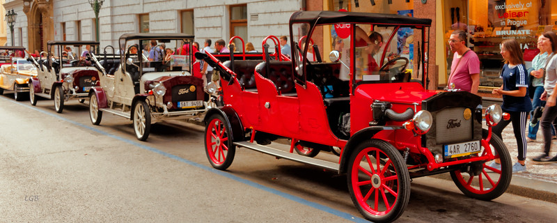 Old Ford cars for guided tours.