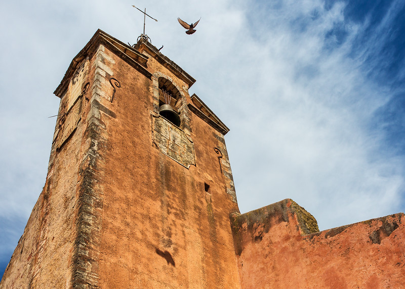 Church Pigeon, Roussillon, France