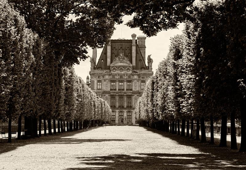 Louvre Promenade