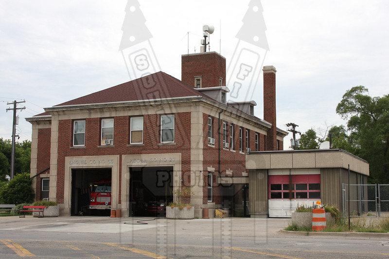 Detroit, MI Engine 55 & Ladder 27