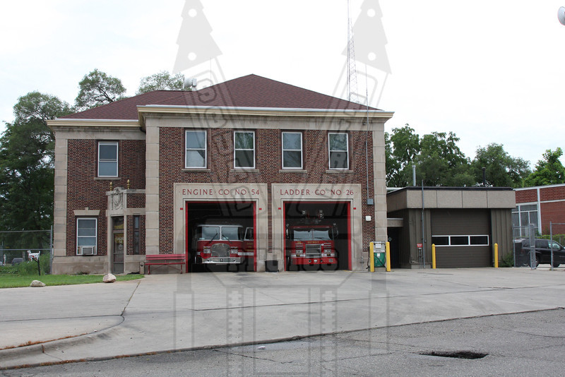 Engine 54 & Ladder 26 in Detroit, MI.
