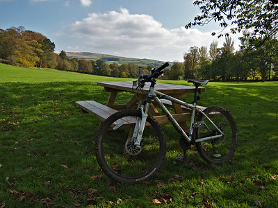 I cycled along the canal to Skipton and had a picnic in the park
