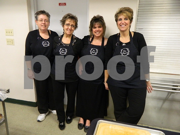left to right: Pam McBride, Debra Lacina, April Alstott, and Melissa Carlson from Tea Thyme