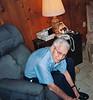 dad tying shoe
