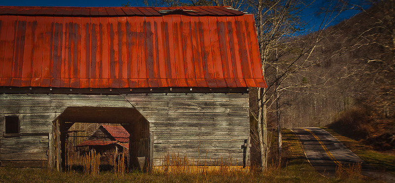 03JAN2012<br /> <br /> Double barn...<br /> <br /> On the hunt for a Gristmill we run across these barns off the side of the Betty Creek Road in North Carolina just off Route 441, we started up this road in Georgia finished in North Carolina the area has a high concentration of gristmills, waterfalls and barns.