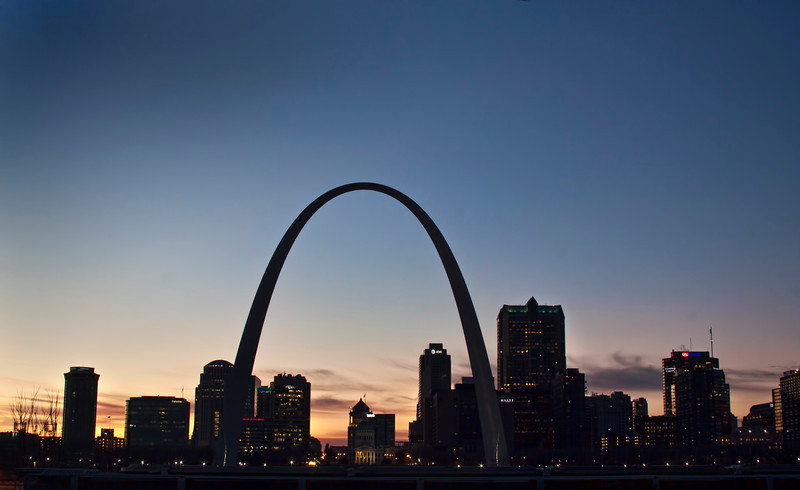 I dawned on me the other day that I have lived in St. Louis for almost 15 years and have never taken any photos of the famous Arch. That led to an interesting dining experience at the Sevens restaurant in the Casino Queen. I took this image directly behind the CQ Hotel around 6:00 pm, not the best but definitely not the worst shot I have ever taken. I think I'll try again when the weather is a little bit warmer. 2.5.13