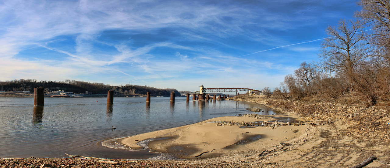 My first full day  back in St. Louis. was cold but still a beautiful day. We went to Modoc, IL to see if the eagles had arrived but came up short. I took this shot with my new wide angle lens I got for Christmas. <br /> <br /> May you have a well and prosperous New Year. 12.31.13