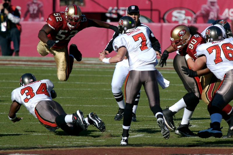 23 Dec 2007<p><p>  Patrick Willis is an amazing athlete.  Shooting the 49er game against Tampa Bay, all I had to do was to follow Willis and the ball was soon to be close by.