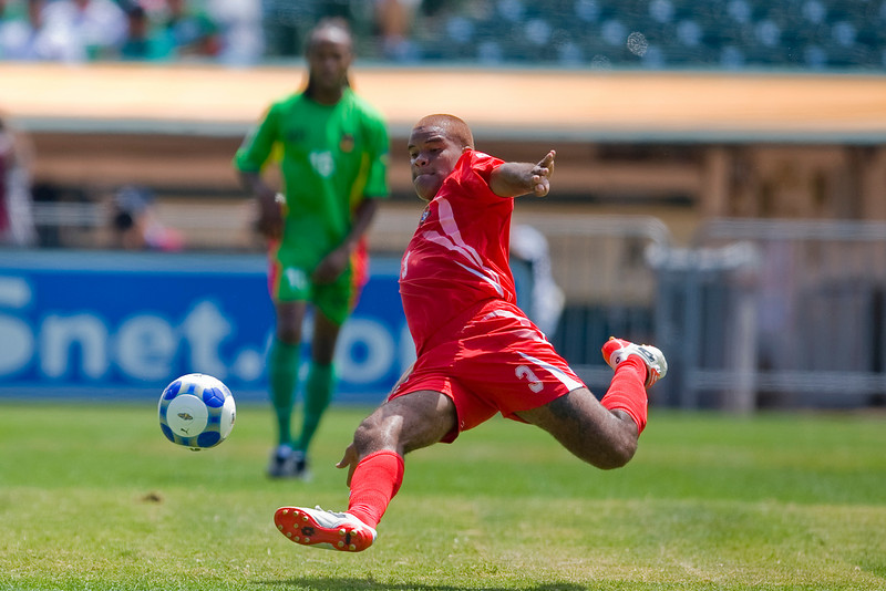 05 July 2009:  Panama defender Luis Moreno (3) during the Group C match of the Confederation of North, Central America and Caribbean Association Football Gold Cup at the Oakland-Alameda County Coliseum in Oakland, California.  Guadeloupe defeated Panama 2-1.
