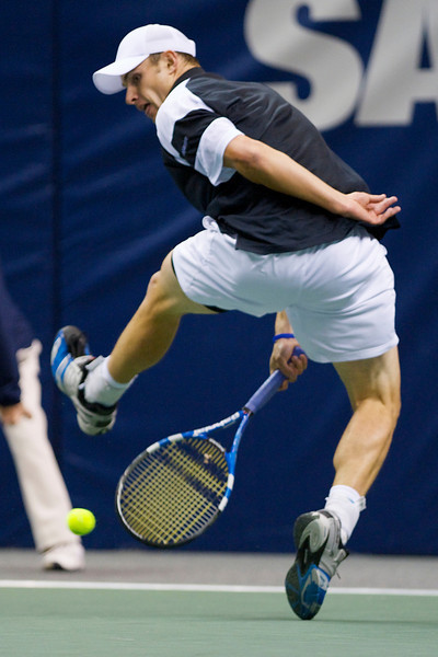 12 February 2009: Andy Roddick (USA) during his 6-3, 7-6 (3) victory over Ernests Gulbis (LAT) in their SAP Open second round singles match at the HP Pavilion in San Jose, CA.