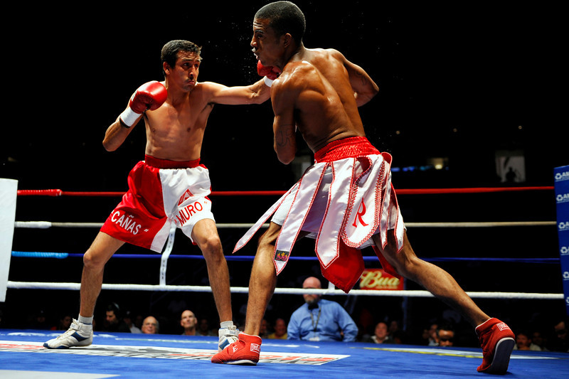 11 September 2008: Rico Ramos (red shoes) and Alvaro Muro (white shoes) during Ramos's third round TKO super bantomweight victory at the HP Pavilion in San Jose, CA.